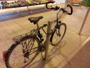 fahrrad-angeschlossen